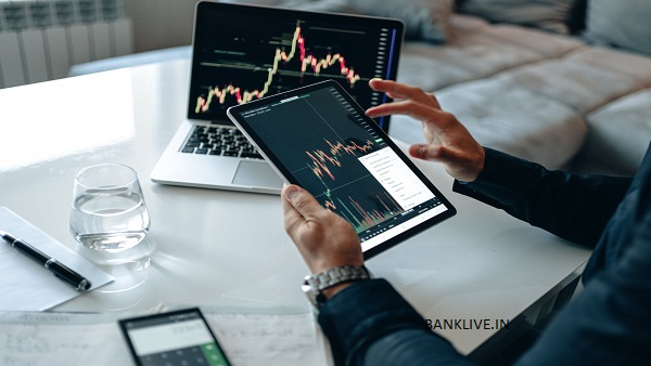 2 Stocks To Buy For Up To 33% Returns